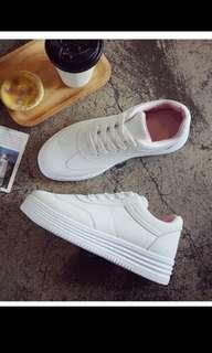 🚚 全新 厚底白鞋尺碼36(適合34-小35)