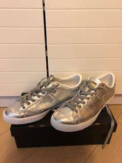 Onitsuka tiger 銀色鞋