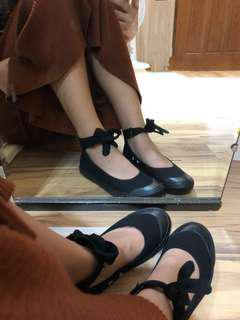 黑色腳踝綁帶帆布鞋