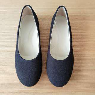 全新無印良品女裝撥水加工棉質平底鞋(藍色) Brand new Muji water repellent flat shoes (blue)