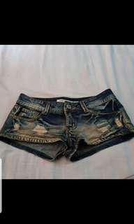 🚚 刷破超短褲
