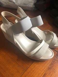 日式布涼鞋