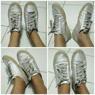 Sneakers satin silver