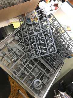 Warhammer and warhammer 40k parts and sets