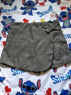 🚚 Shorts with skirt grey ribbon with zip xs
