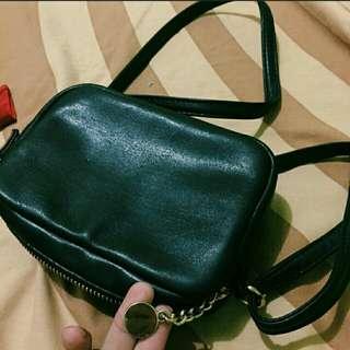 Tas H&M Earing Sling bag