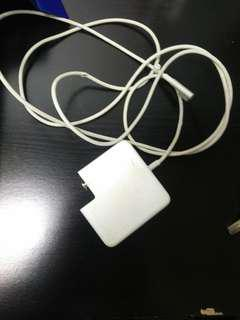 Wts macbook charger. Only charger no cable.