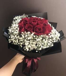 20 red roses with baby breath bouquet