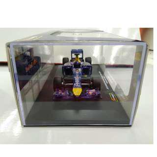 Burago 1:32 Scale Infiniti Red Bull Racing RB10 Diecast Vehicle
