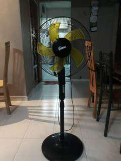 Selling Giant Brand stand Fan