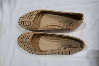 Nude flats size 6