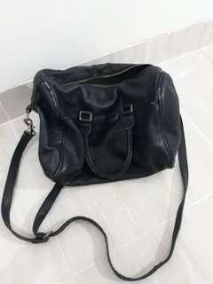 Navy stradivarius handbag
