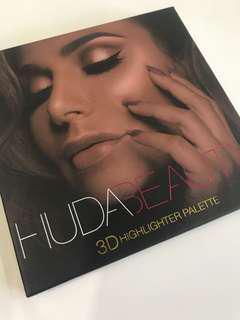 Aunthentic Huda Beauty 3D highlighter Palette in Golden Sands