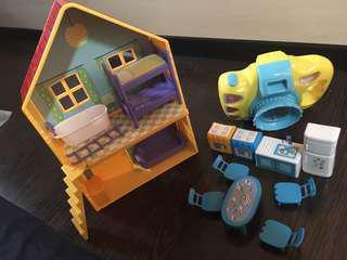 Bundle of Peppa Pig Play House & Camera