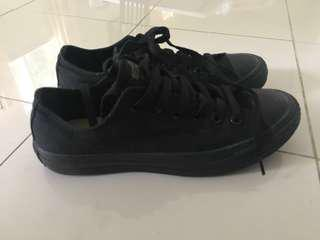 Converse black low top