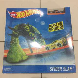 Hot Wheels Track Spider Slam Set