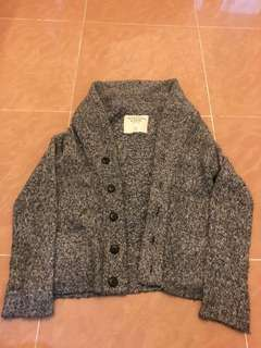 ( NO BARGAINING , ENGLISH ONLY ) Abercrombie Sweater