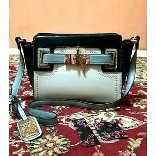 Bellezza sling bag