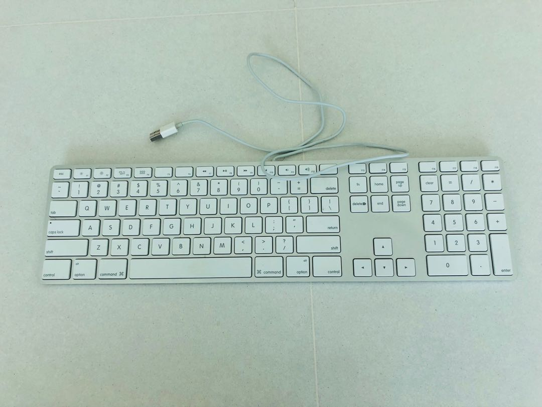 Apple Wired Keyboard (with Numeric Pad), Electronics, Computer Parts ...