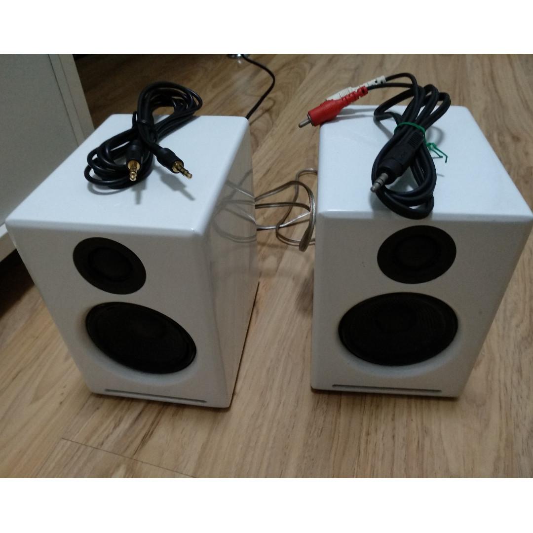 Daftar Harga Audioengine Hd3 Black Terbaru 2018 Jaket Motor Pria Rc661 A2 Speakers Left Speaker Slight Defective Electronics Audio On Carousell