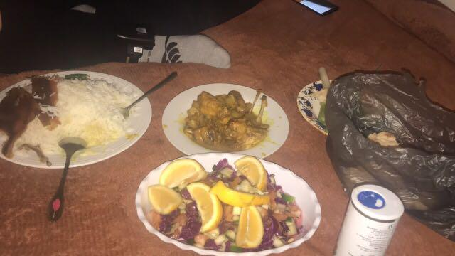 Chicken biryanis.  White rice. Salad . Whole chicken. Naan bread based in papakura Anything you name it