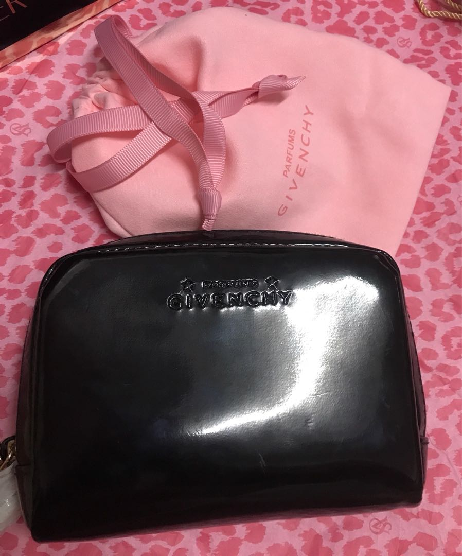 Givenchy pouch 3095df5bbe88b