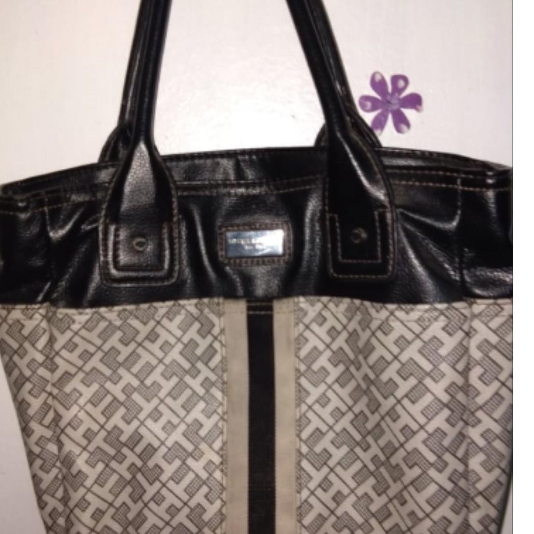 3f6cebab97 Tommy Hilfiger - Monogrammed Handbag Brown White Canvas Satchel on Carousell