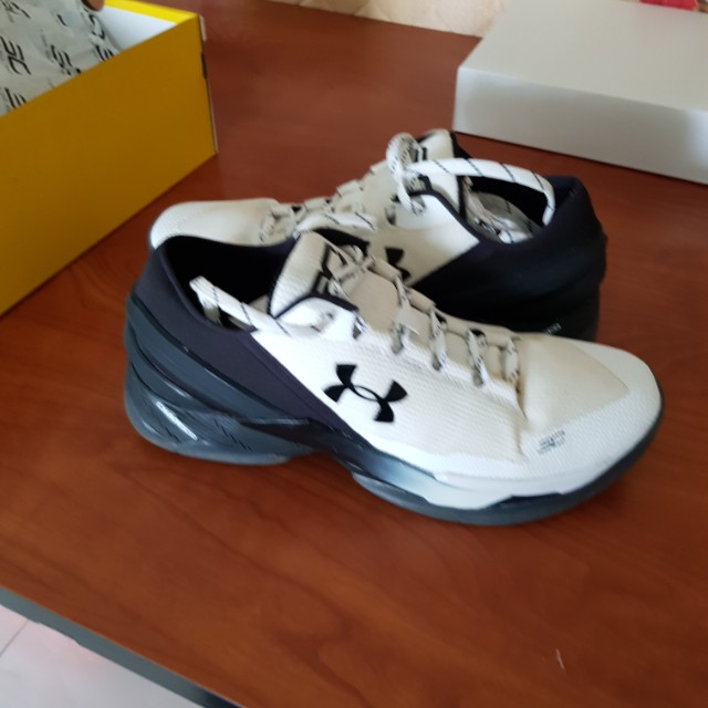 finest selection a27a4 01597 UA Curry 2 Low White (US 10.5)