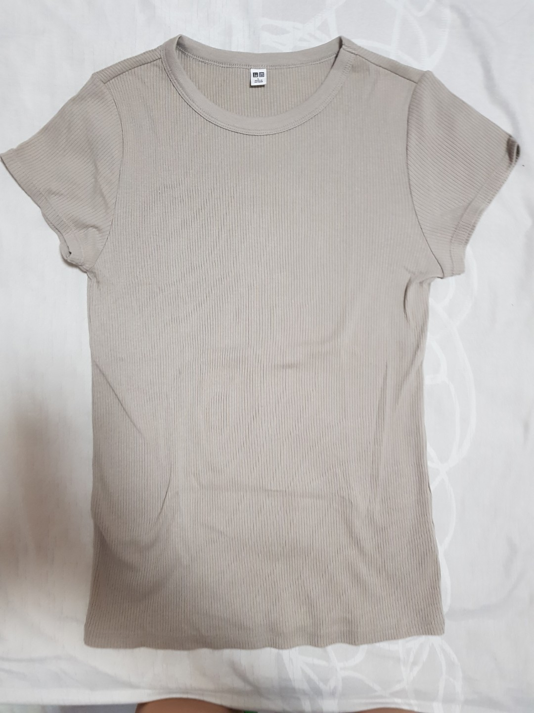3b7ef5a91a7 Uniqlo Ribbed Top, Women's Fashion, Clothes, Tops on Carousell