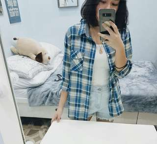 REPRICED - levi's vintage inspired 90s blue plaid oversized flannel