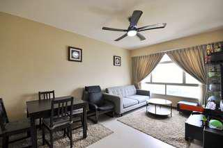Super Rare HIGH Floor, Corner 3rm flat with Unblocked Sea View & Near Mall!!