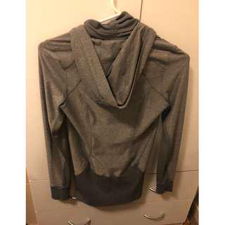 AS NEW CONDITION - GORGEOUS LIGHTWEIGHT GREY LULU JACKET!