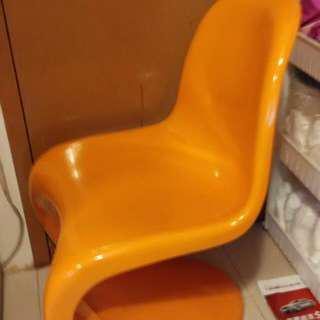 九成新,椅
