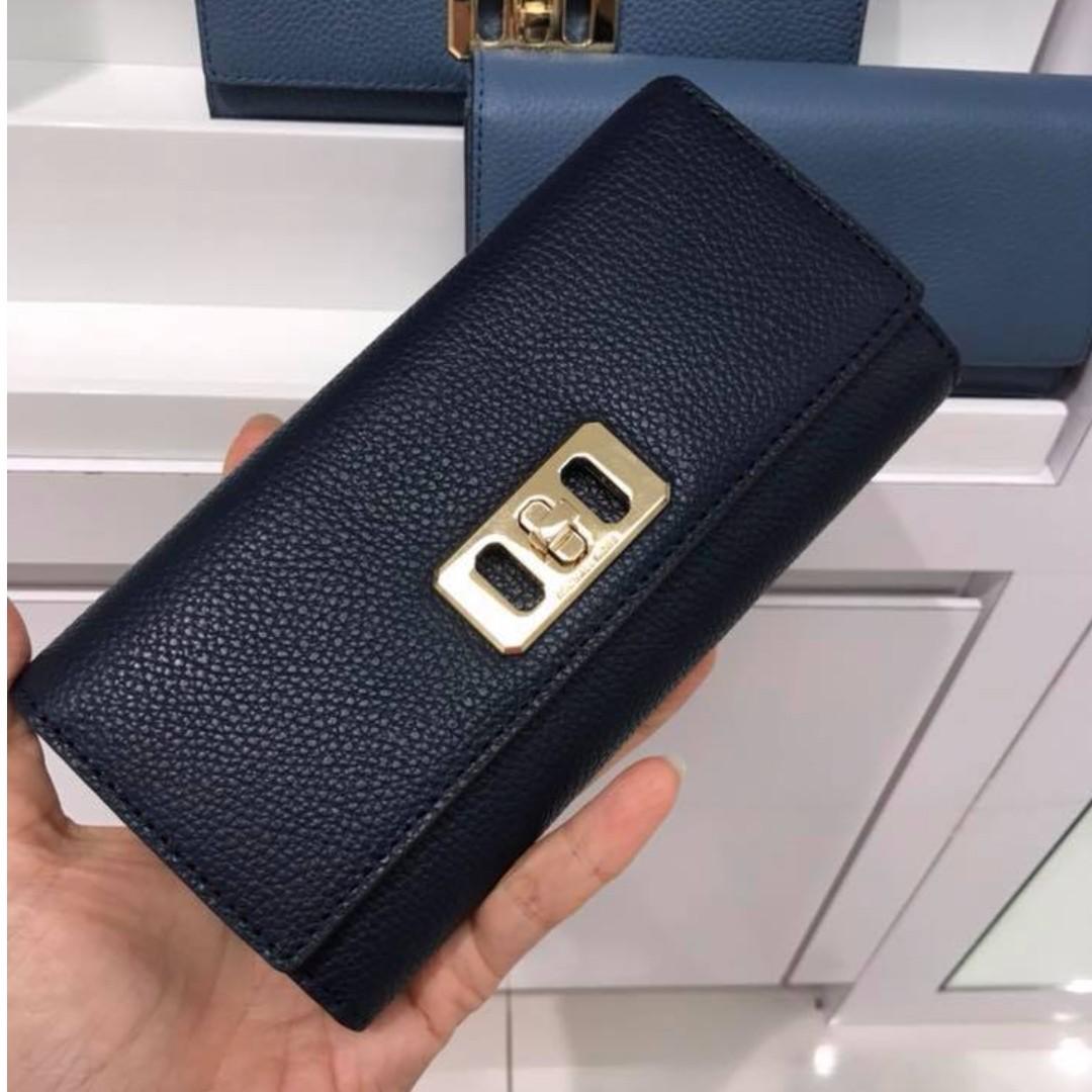 38aba539d7aa 100% Authentic Michael Kors Karson Flap Continental Wallet, Women's ...