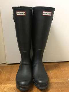 Tall Matte Hunter Boots SIZE 6