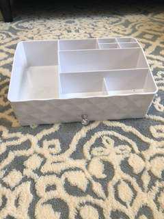 🚚 二手 白色 水鑽 戒指 收納盒