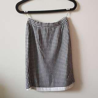 The Square Black-White Checkered Skirt