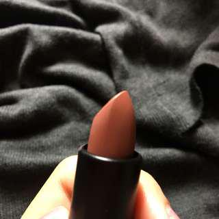 Simply Matte Lipstick in Geeky