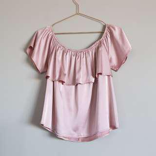 MUSEUM satin-like pink off-shoulder ruffle top size 0 (AU 6-8)
