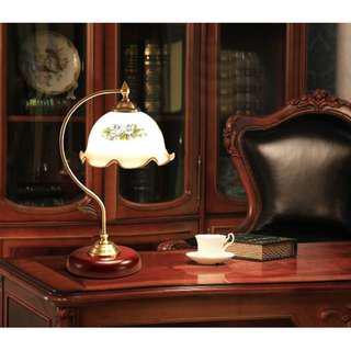 European Retro Style Flower Table Lamp, 歐洲經典玻璃花罩設計枱燈