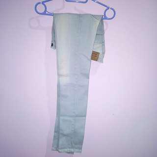 Celana jeans nevada size M.