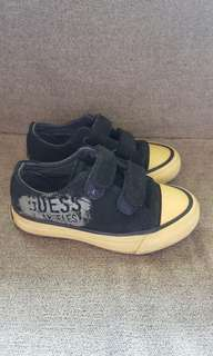 Auth Guess Suede Sneakers Sz8