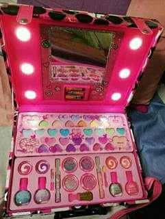 Justice Vanity Mirror Make Up kit
