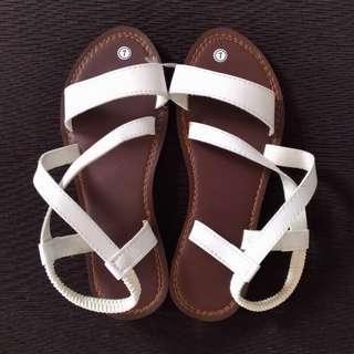 Marikina-made Strappy Flat Sandals [Size 7]