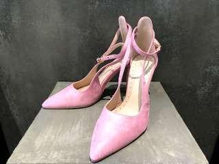 🚚 芭比粉紅綁帶側鏤空高跟鞋