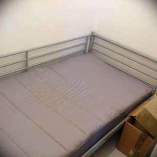 Single Bed Frame or Bedframe or Mattress