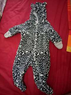 Prelove tiger costume H&M for 2-6 months