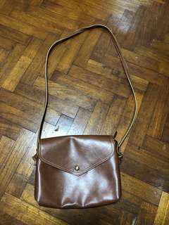 🚚 Brown Sling Bag