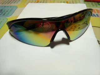超炫彩虹鏡面墨鏡  可換物