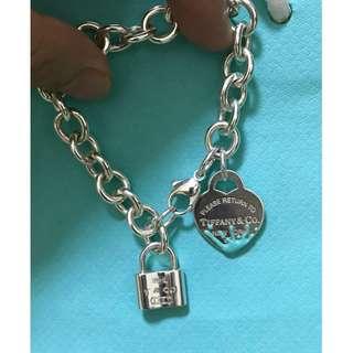 原價$1100 Tiffany 1837 Lock Chram 鎖吊飾